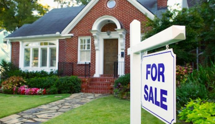 What to Do If Your House Is Slow to Sell